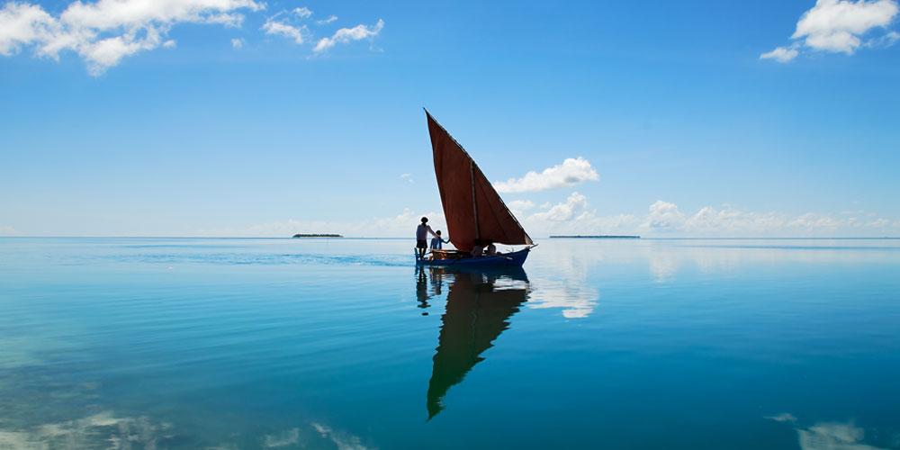 maldives-sail-boat